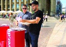"""Aktion """"Gute Rente"""" der ver.di-Jugend auf dem Schlossplatz in Stuttgart im August 2017."""
