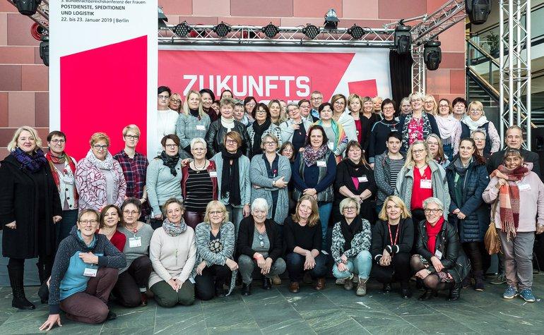 Delegierte der Frauenkonferenz des Bundesfachbereiches