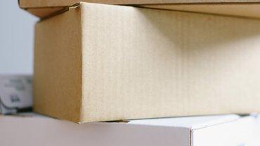 Paketstapel vor Weihnachten